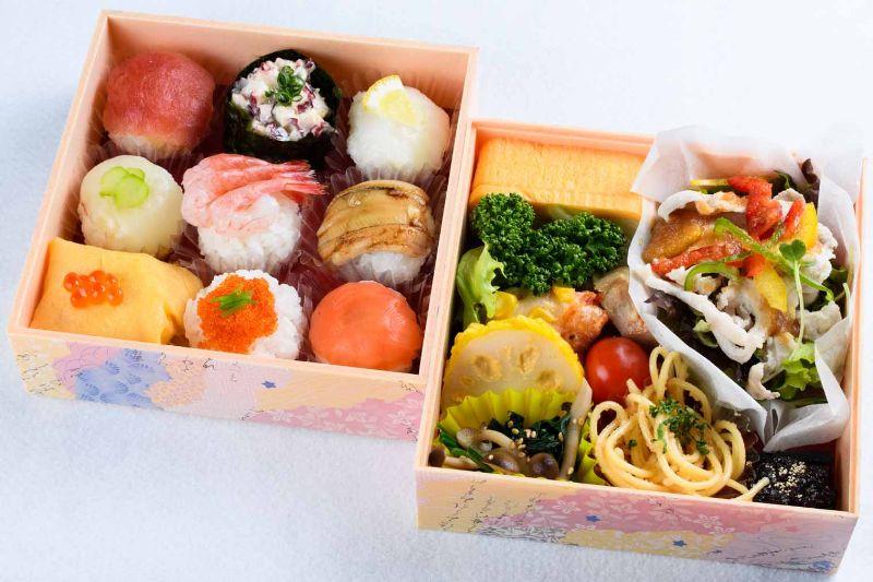 02てまり寿司と季節の彩り二段重a_800